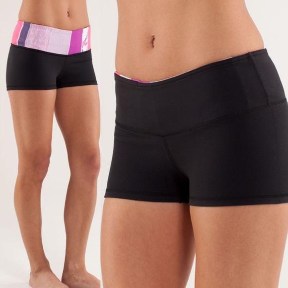 Lululemon Boogie Short reversible booty shorts